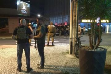 unnamed - CENAS DE TERROR: Criciúma vive horas de tensão com assalto a banco, ataque à PM e reféns; VEJA VÍDEO
