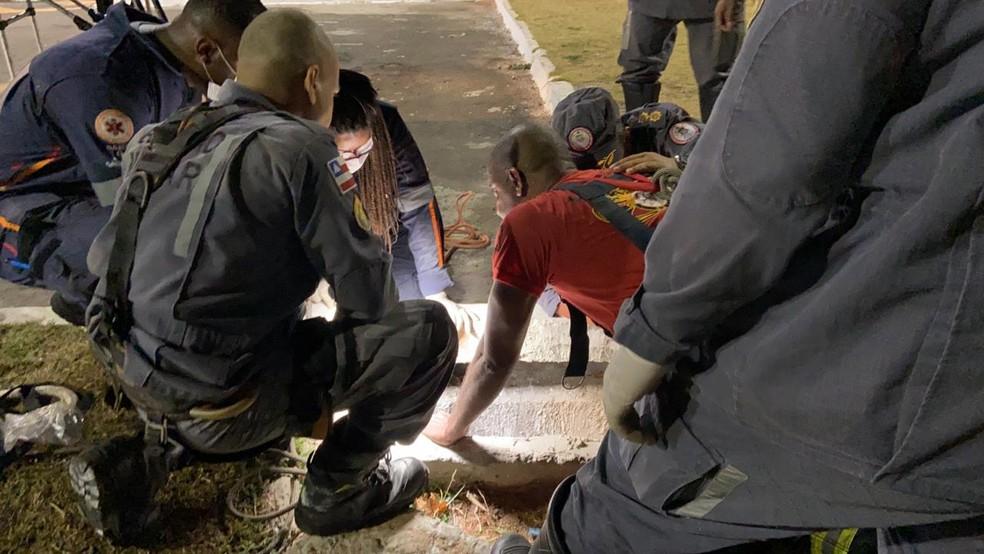 whatsapp image 2020 12 26 at 20.32.31 - Criança de 8 anos fica presa em bueiro durante brincadeira e é resgatada por Corpo de Bombeiros