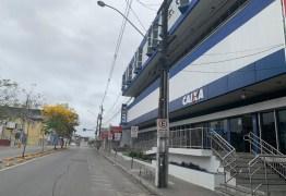 Funcionamento de agências bancárias têm horário reduzido, devido a pandemia, em Campina Grande