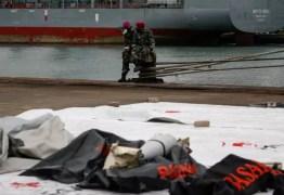 Indonésia localiza restos humanos e caixas-pretas de avião