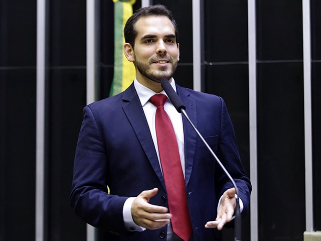 Marcos Aurelio Sampaio MDB - Parecem galãs de novela, mas são deputados federais! Saiba quem são os parlamentares mais bonitos da Câmara, paraibanos estão na lista