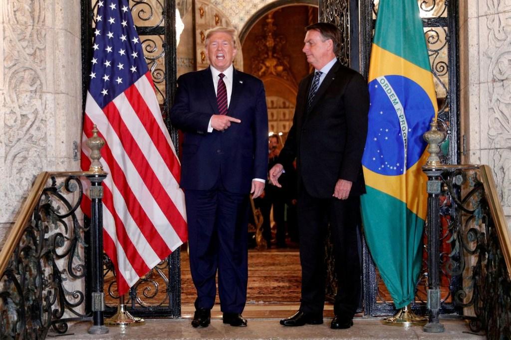SWBOBURGPJCELFKCY7IGWUAC4M 1024x683 - Do impeachment ao freio das redes, caminhos para evitar que Bolsonaro repita enredo de Trump - Por Breiller Pires