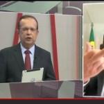 Screenshot 20210120 154208 YouTube - Ney Suassuna apresenta o dedo ao falar sobre saúde de José Maranhão e justifica: 'foi para o assessor'
