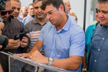 Vitor Hugo autoriza retorno das aulas e marca data para início do ano letivo em Cabedelo