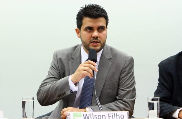 Wilson Filho - Lei muda regras para usuários solicitarem embarque e desembarque nos ônibus na Paraíba