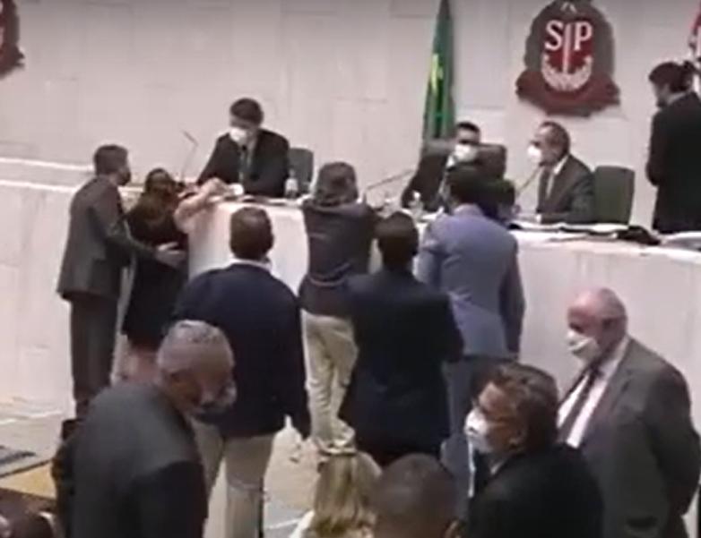 alesp - Justiça autoriza investigação contra Fernando Cury, deputado que assediou colega na Alesp