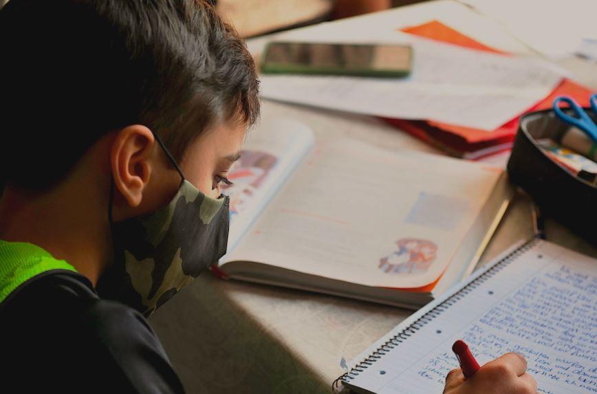aulas - Famup discute volta às aulas com gestores e lança pesquisa para detalhar desafios dos municípios na Educação