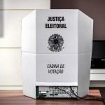 cabina votação - APÓS FIM DO PRAZO: Mais de 280 mil eleitores ainda não justificaram ausência no 1º turno das eleições na PB - VEJA DADOS