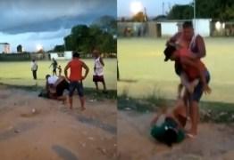 IMAGENS FORTES: Homem deixa mulher desacordada após espancamento e é preso por tentativa de feminicídio – VEJA VÍDEO