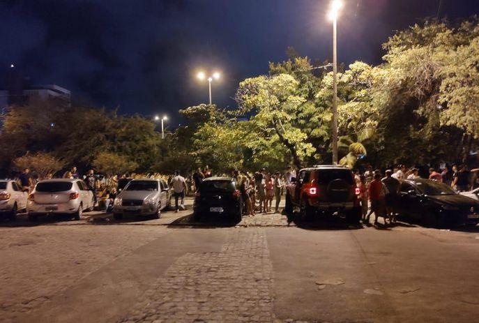 csm WhatsApp Image 2020 10 24 at 08.46.37 bf562f9b6b - Moradores denunciam aglomeração durante a madrugada na Praça da Paz, em João Pessoa; VEJA VÍDEO