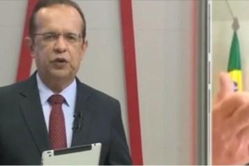 Ney Suassuna mostra o dedo ao falar sobre saúde de José Maranhão e justifica: 'foi para o assessor'; VEJA VÍDEO