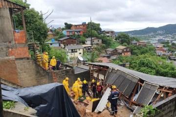 deslizamento em santa catarina - Mãe e filha morrem em desabamento de terra em Florianópolis