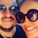 """esposa - """"Querem que eu vire mendiga"""", diz ex-companheira de Paulinho do Roupa Nova ao brigar por herança"""