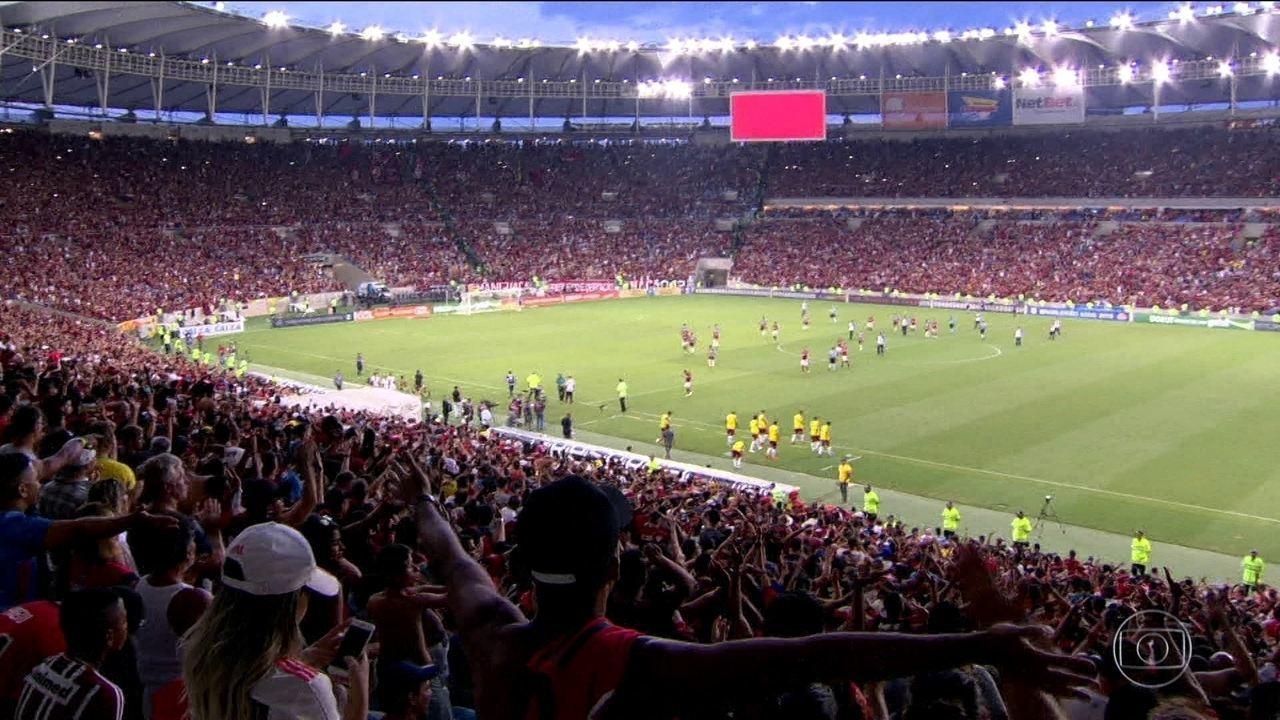 estádio lotado 1 - Paes recua e diz que vai revogar decreto que permite presença da torcida nos estádios do Rio