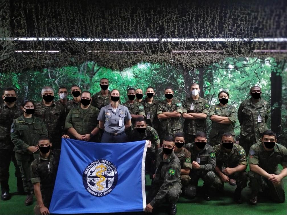 exercito 2 - Militares aparecem com máscaras desenhadas digitalmente em site de órgão do Exército - VEJA AS IMAGENS