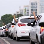 imagem materia - Motoristas de aplicativos organizam protesto contra preço de combustíveis em João Pessoa e pedem que sejam imunizados contra covid