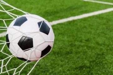 Chelsea e Dortmund em campo e muita Série B: veja os jogos de futebol com transmissão na TV nesta terça-feira (19)