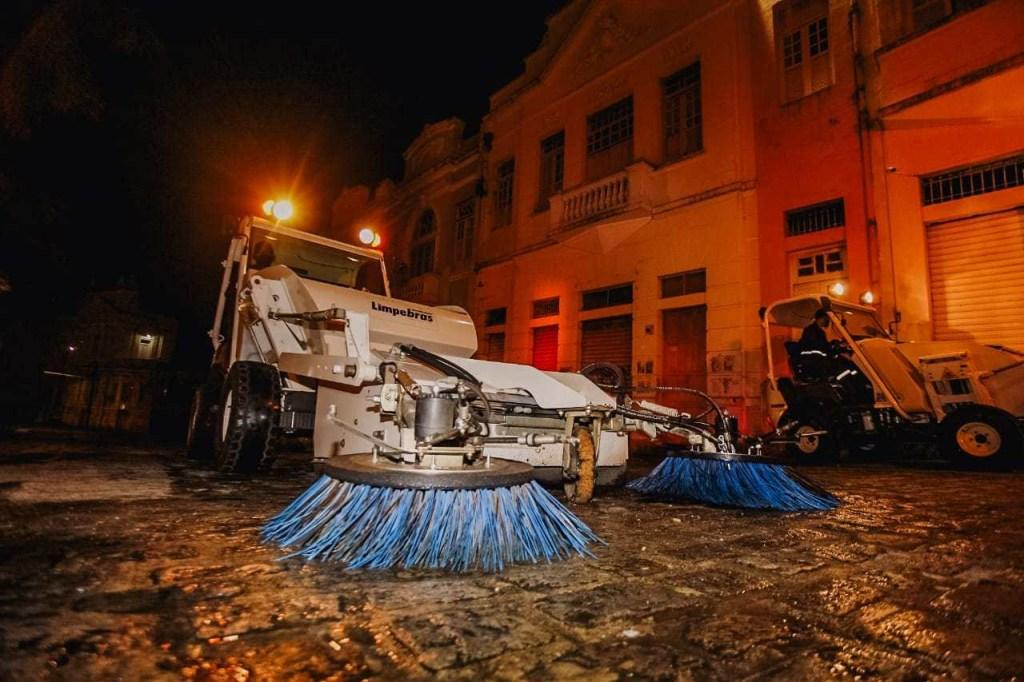 limpeza centro 1024x682 - Prefeitura inicia trabalho de limpeza e zeladoria no Centro Histórico da Capital