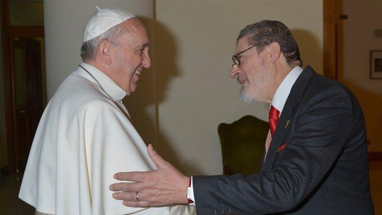mORRE pAPA - Médico pessoal do Papa morre de Covid-19 aos 78 anos