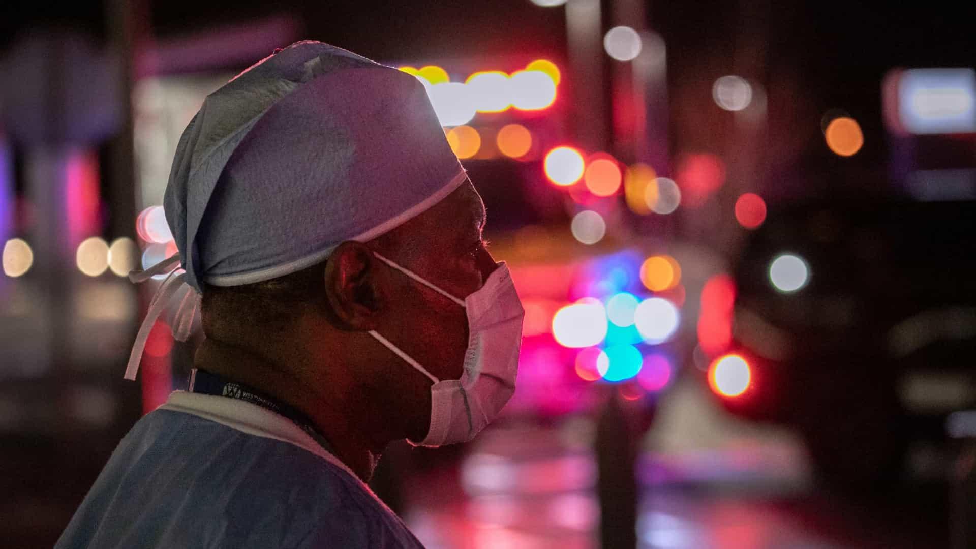 naom 5fe1adc1136e3 - EUA superam 350 mil mortos neste domingo e autoridades temem novo surto