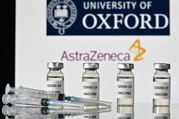 """oxford astra zeneca - Com aval de Bolsonaro e na mira de empresas, AstraZeneca diz que """"não é possível disponibilizar vacinas ao setor privado"""""""
