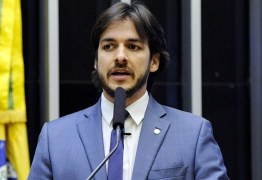 INCOERÊNCIA: Pedro Cunha Lima critica gastos públicos, mas emprega secretária com salário pago pela Prefeitura de Campina Grande há 5 anos – ENTENDA
