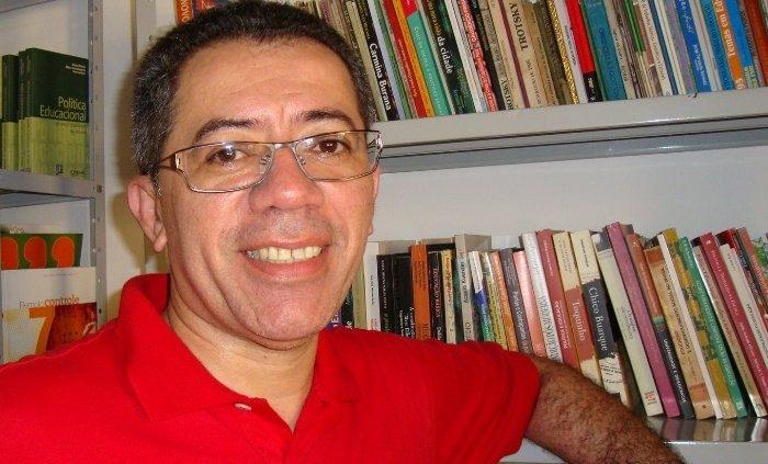 professor lj e1611139082692 - MOBILIZAÇÃO: amigos e familiares pedem doação de sangue para ex-secretário Luiz Júnior, interno com Covid-19