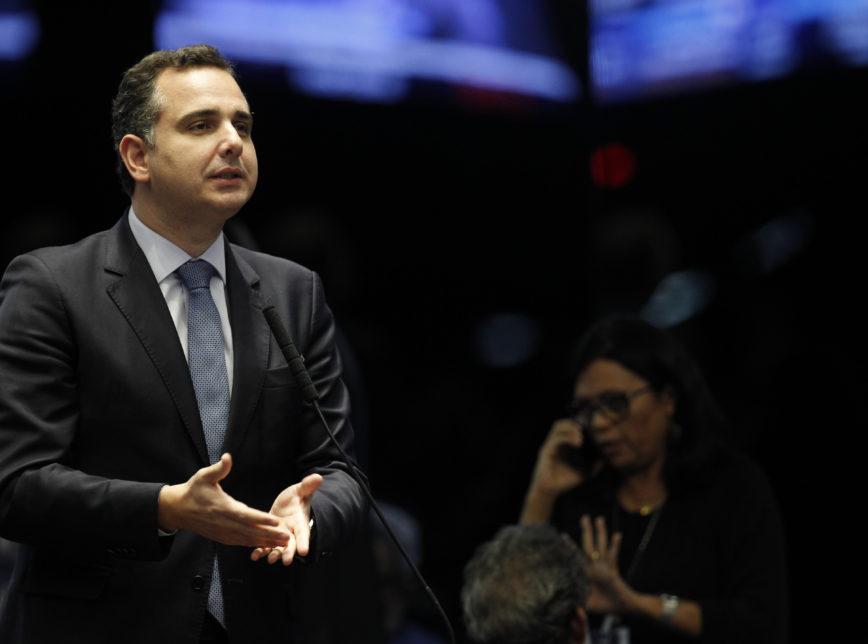 rodrigo pacheco - Candidato de Bolsonaro no Senado e herdeiro de empresas de ônibus, Rodrigo Pacheco usou o Congresso para defender negócios da família