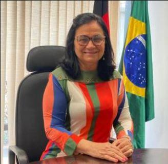 senadora - Nailde apresenta projeto para garantir reserva de vagas para mulheres com filhos com deficiência intelectual ou grave
