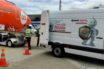 Doses da vacina Oxford/AstraZeneca desembarcam na Paraíba – VEJA VÍDEOS