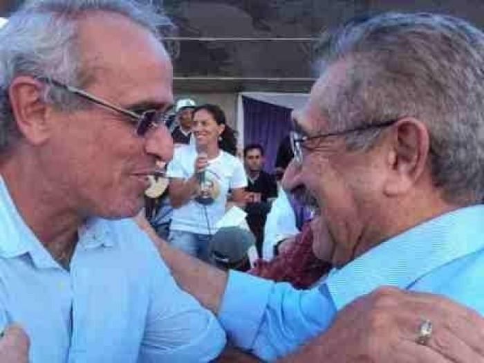 """201404140322300000003030 - Cicero Lucena lamenta morte de José Maranhão: """"o peito inundado de lágrimas"""""""