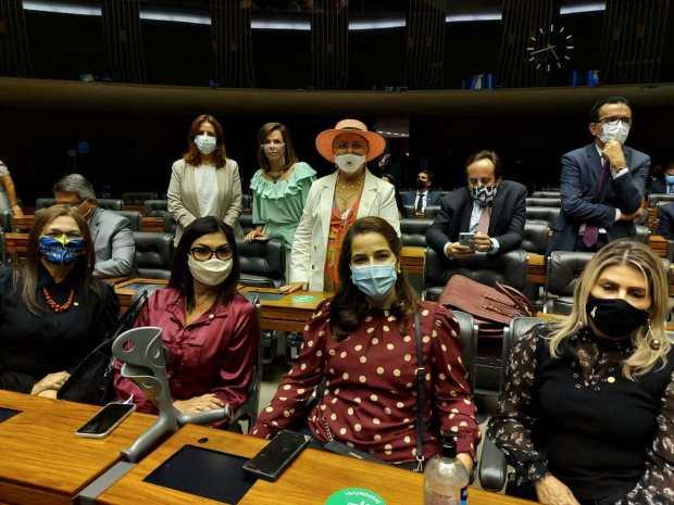 6dbe23bc 0f95 495f 8079 26f29fb2ff46 - Deputada Edna Henrique celebra conquista histórica de mulheres na composição da Mesa Diretora da Câmara Federal