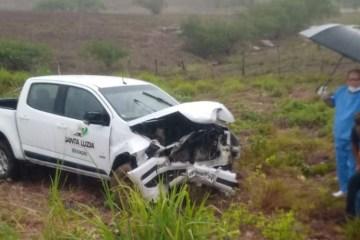 795ffc5897ebd0e938e00a0680c46909f7e9d252 - Veículo da prefeitura de Santa Luzia se envolve em acidente na BR-226, no RN