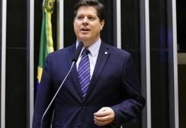 Reviravolta na Câmara: DEM abandona Baleia e isola Rodrigo Maia