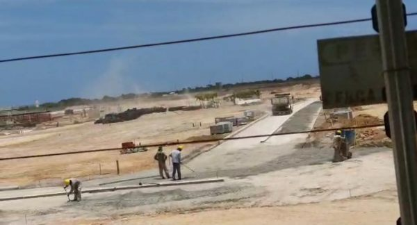 """WhatsApp Image 2021 02 05 at 11.07.17 600x324 1 - """"Vão comer poeira até o fim da obra"""", dizem engenheiros responsáveis por obras no condomínio das Américas, após reclamação de moradores do Portal do Sol"""