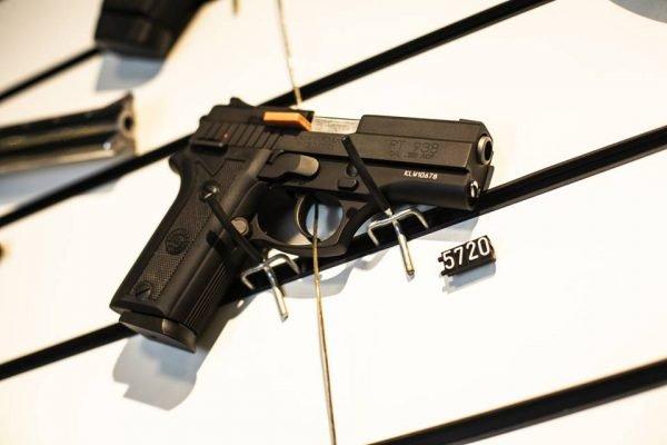 arma 5 600x400 1 - Importação de revólveres e pistolas no governo Bolsonaro é maior do que nos de Lula, Dilma e Temer somados