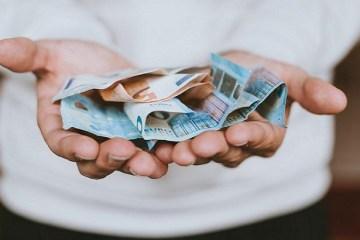 dinheiro 1 - IMPOSTO DE RENDA: quem recebeu mais de R$ 22,8 mil de outras fontes terá de devolver auxílio emergencial