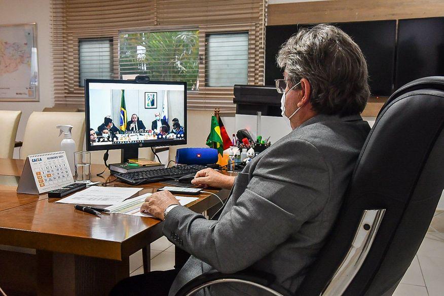 eudmnx7xyaa god - Todo grupo prioritário da Paraíba será vacinado contra a Covid-19 até maio, diz governador