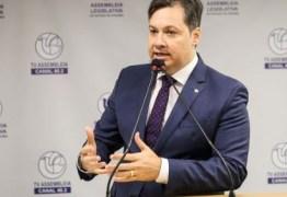 Deputado Júnior Araújo lamenta morte de casal de empresários cajazeirenses pela Covid-19
