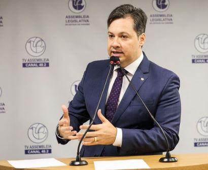 junior araujo 2 - Deputado Júnior Araújo lamenta morte de casal de empresários cajazeirenses pela Covid-19