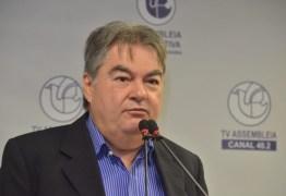 Deputados aprovam voto de aplauso ao governador João Azevêdo por destaque da educação remota na Paraíba
