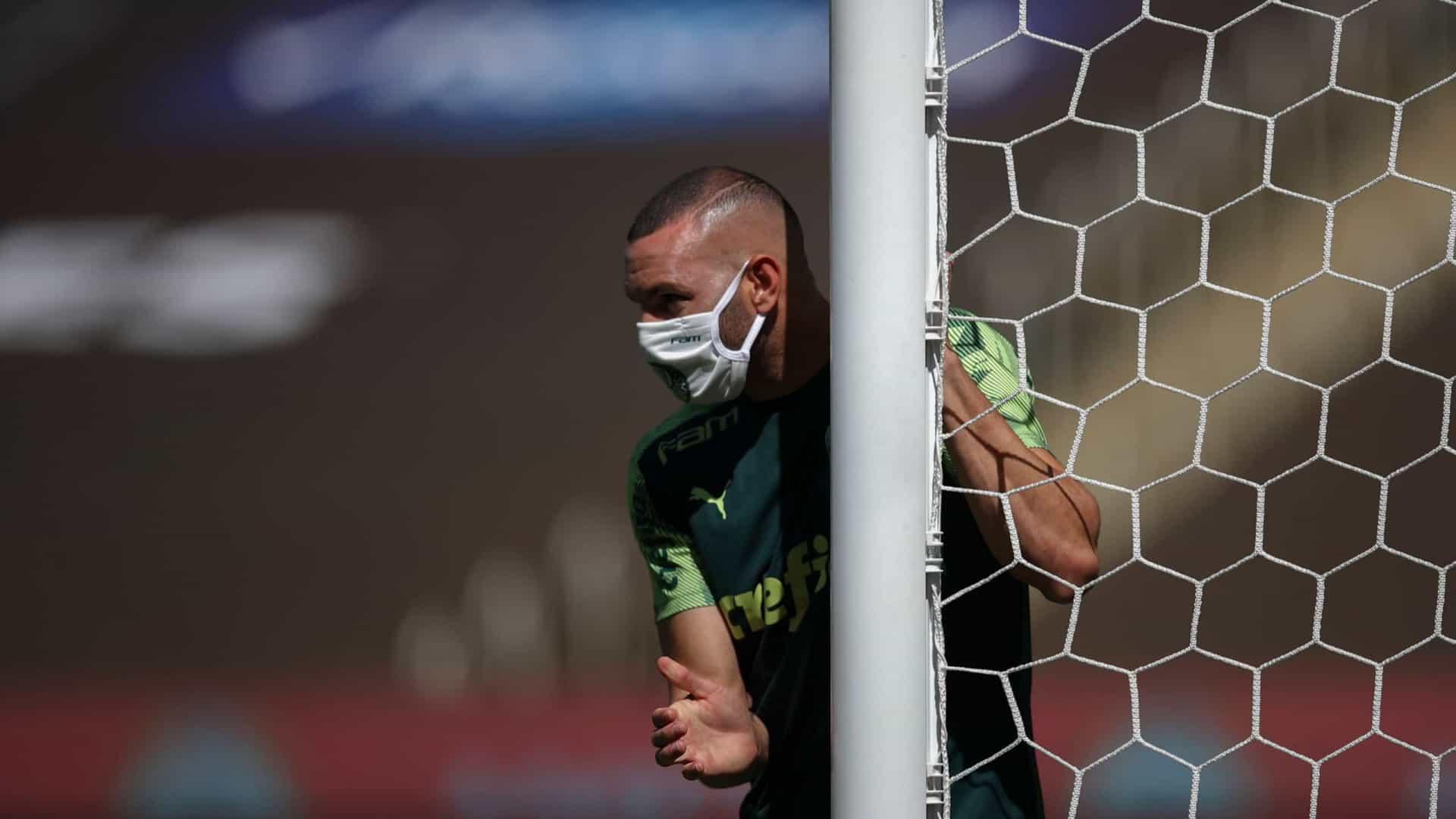 naom 60238e25bbb2a - Palmeiras prepara-se para despedida do Mundial em treino com Wesley