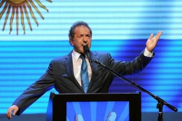 scioli - ESCÂNDALO! Embaixador da Argentina no Brasil aparece em lista de vacinados 'VIP'