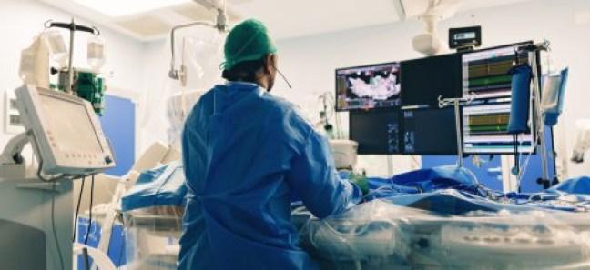 shutterstock 1021273570 480x220 1 - Com hospitais lotados na Grande João Pessoa e no Sertão, pacientes são transferidos para Campina Grande