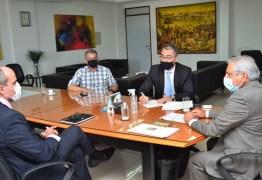 TCE-PB E TCU fiscalizam vacinação contra a covid-19 nos 223 municípios paraibanos