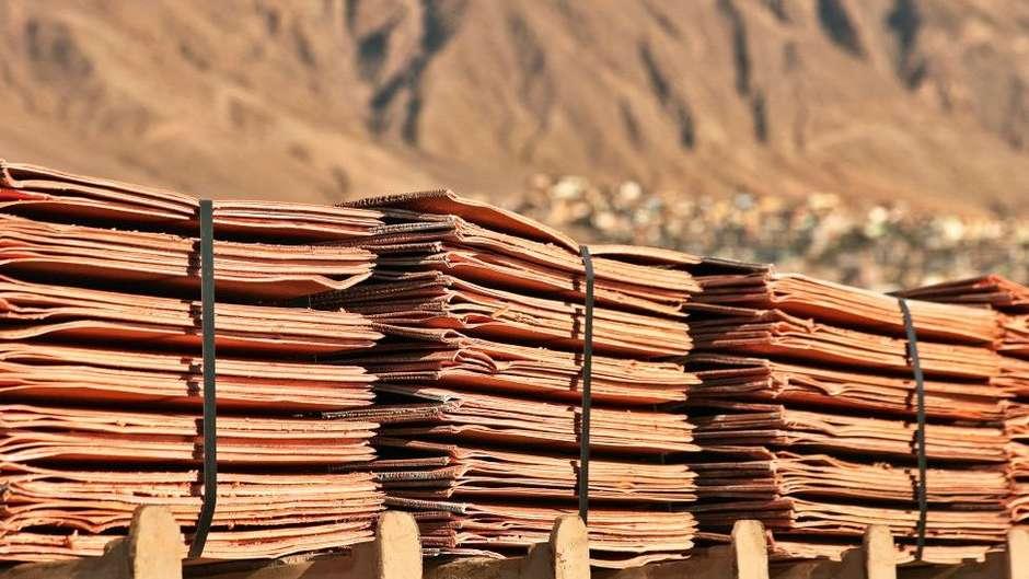 117515491copperpile - Fraude milionária: empresa recebe pedras pintadas em vez de R$ 210 milhões em cobre