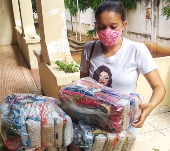 989b5708 7946 4ef3 ac20 e80697960adf - Para minimizar efeitos da pandemia Governo inicia entrega de 250 mil cestas básicas para alunos da Rede Estadual de Ensino