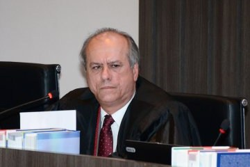 Desembargador Ricardo Porto decide que cachorro não pode ser autor de ação de indenização