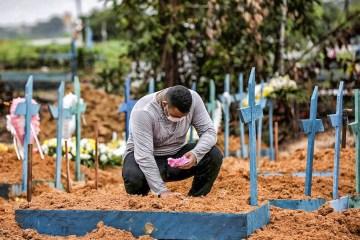 MORTES COVID - Apesar de estabilidade em mortes, Brasil passa 422 mil óbitos por Covid-19