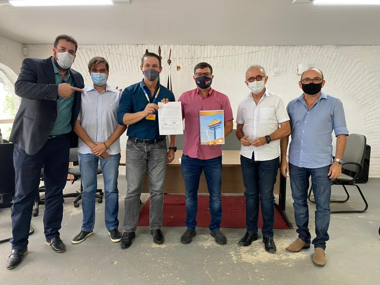 550 VAGAS DE EMPREGO: Prefeito Vitor Hugo anuncia nova loja do Assaí Atacadista em Cabedelo